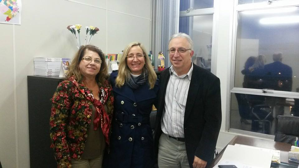 Pausa para a foto neste momento importante de discussão e troca entre a AOESC e a Secretaria de Educação do Estado de Santa Catarina.