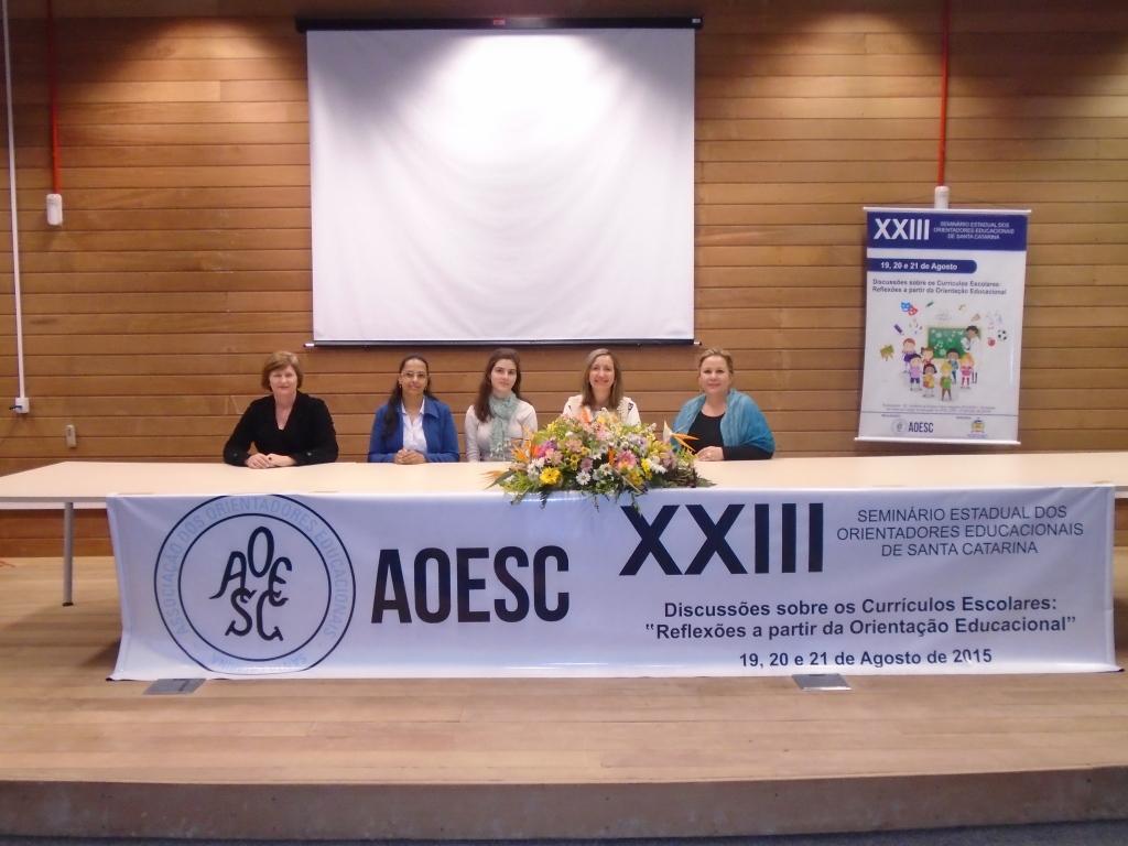 Diretoria da AOESC e Estagiária.
