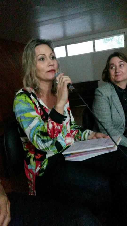 """Coord. Social e Cultural da AOESC, Sra. Deisy Maria Radichewski participa do Painel: """"O significado de Equipe Pedagógica no contexto escolar das redes públicas de ensino. Qual é o papel da Equipe e quem são os profissionais?""""."""
