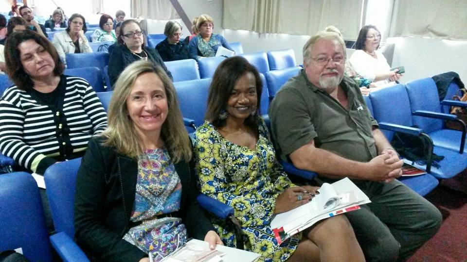 Presidente da AOESC, Sra. Diléia Pereira Bez Fontana Presidente da ASESC, Sra. Selma David Lemos e o Reprsentante do SINESP, Sr. João Alberto Rodrigues de Souza.