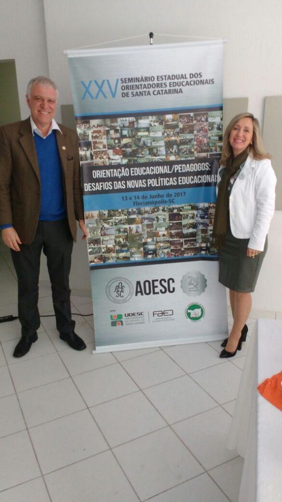 Palestrante: Dr. Sergio Roberto Kieling e Presidente da AOESC. Diléia Pereira Bez Fontana.