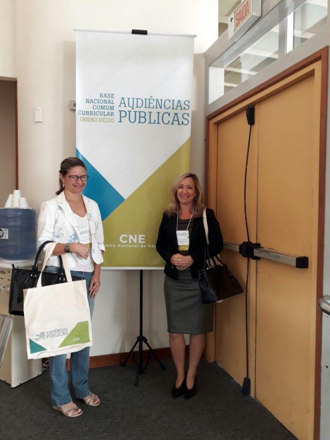 Presidente, Sra. Diléia Pereira Bez Fontana e 2ª Tesoureira, Sra. Katarina Grubisic