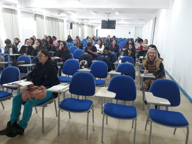 Presidente da AOESC, Sra. Diléia Pereira Bez Fontana