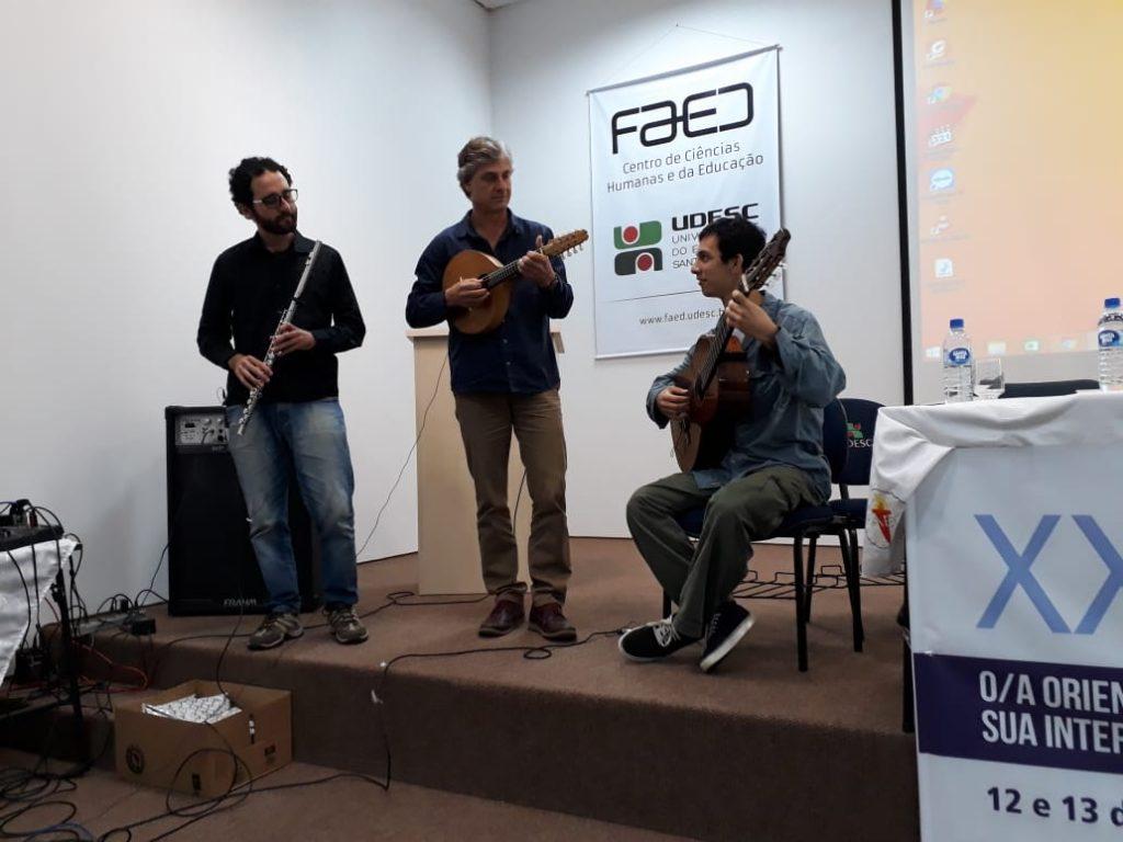 """Apresentação Cultural """"Geraldo Vargas Trio"""""""