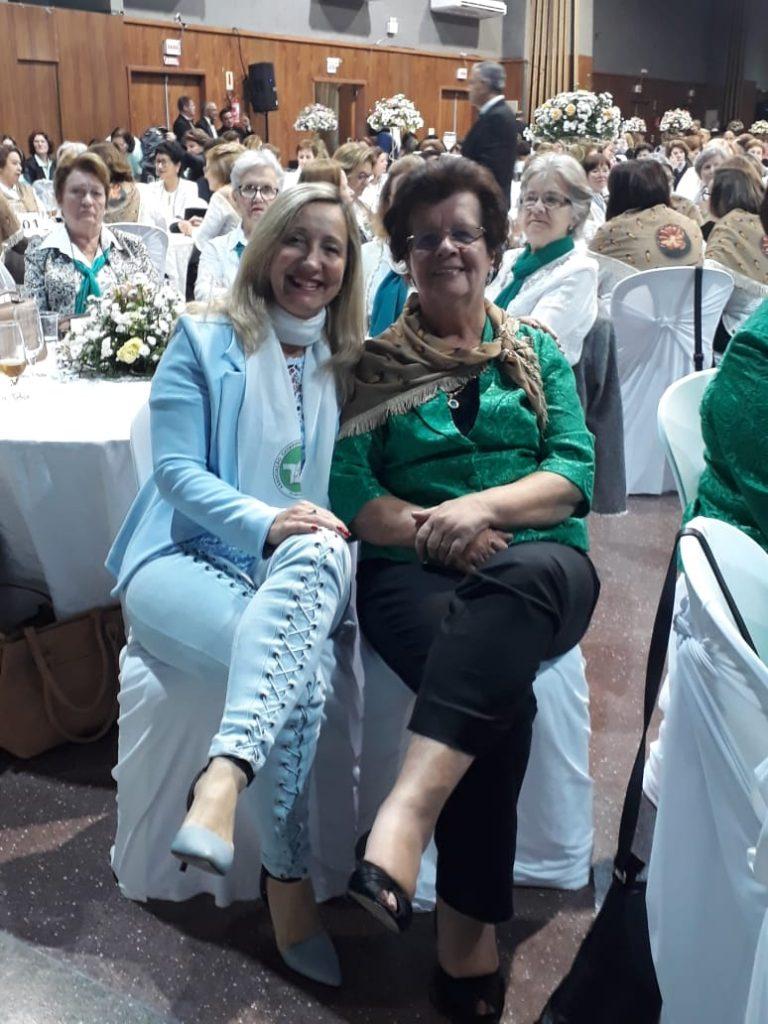 Presidente da AOESC, Sra. Diléia com a Presidente da ACP, Sra. Maria