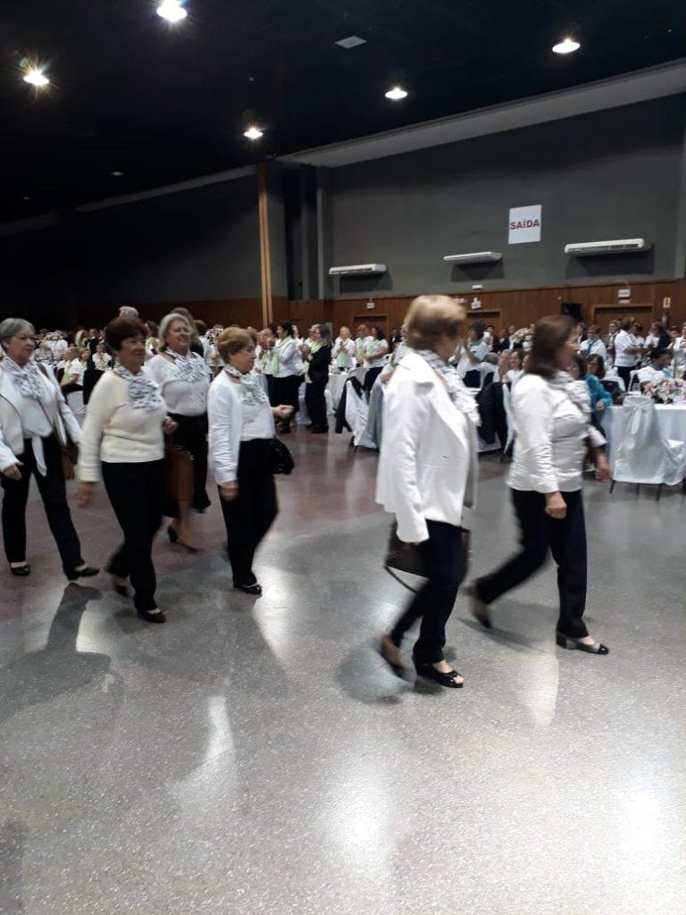 Desfile das Delegações durante a Comemoração do Dias dos/as Professores/as