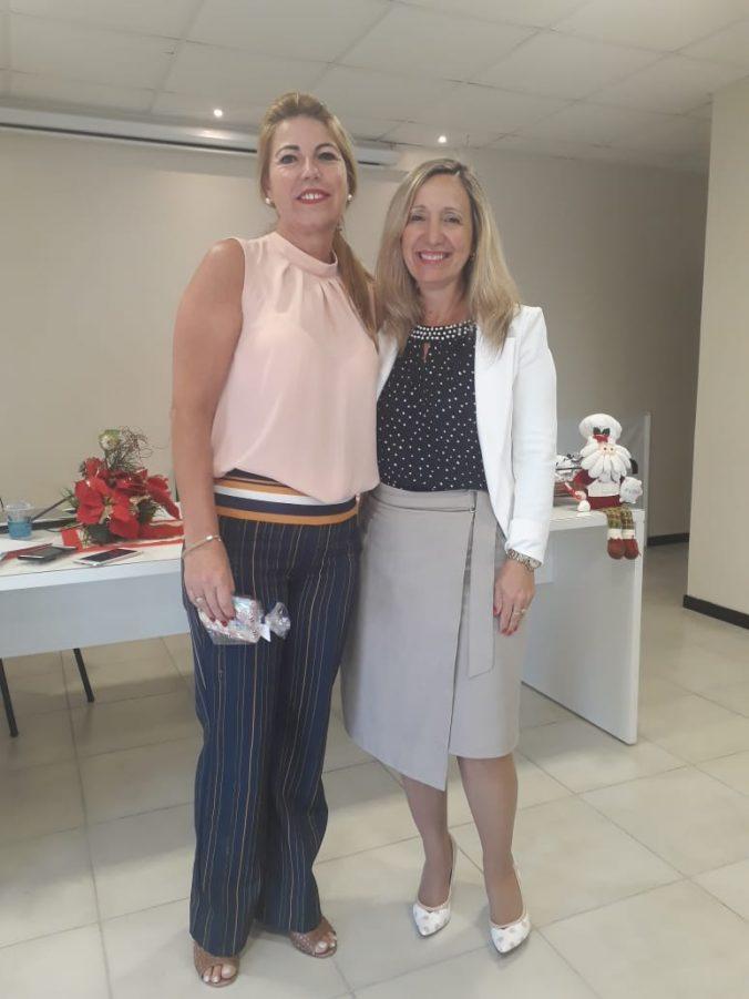 Presidente O.E. Diléia Pereira Bez Fontana, com a Representante da AGEMED, Sra. Roselâne Alves.