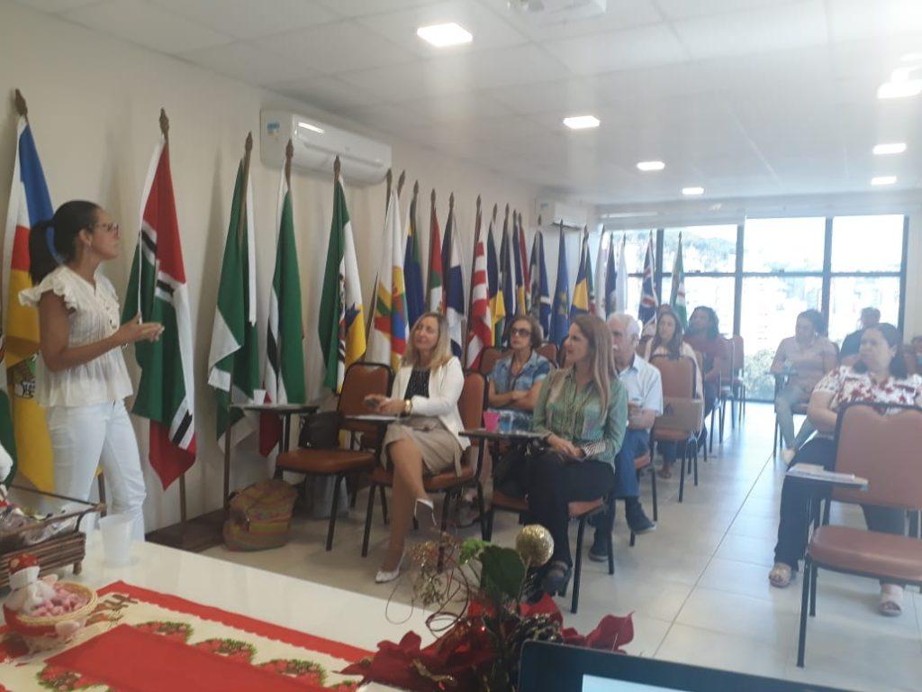 """Palestra da Dra Ana Paula Callado Czernay, sobre """"Prevenção da Saúde Bucal"""""""
