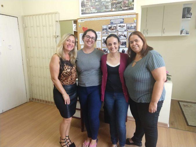 Presidente Diléia,Tesoureira Lúcia, ex estagiária Michelle e estagiária Ariana.