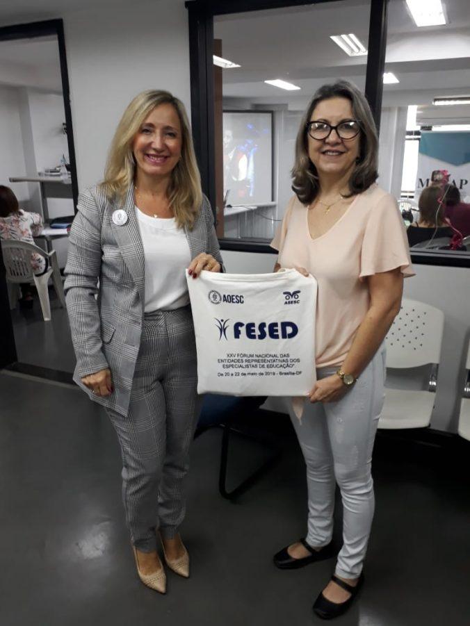 Presidente da AOESC, Sra. Diléia Pereira Bez Fontana com a presidente da ASESC, Sra. Rosimeri Jorge da Silva