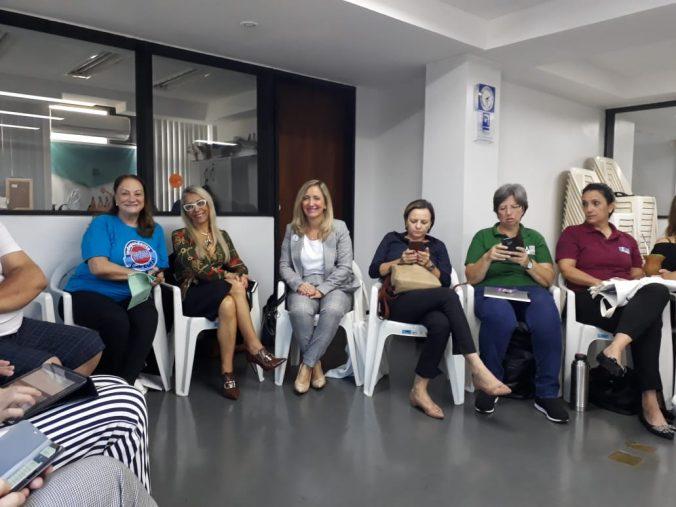 Participantes do XXV Fórum Nacional das Entidades Representativas dos Especialistas de Educação.