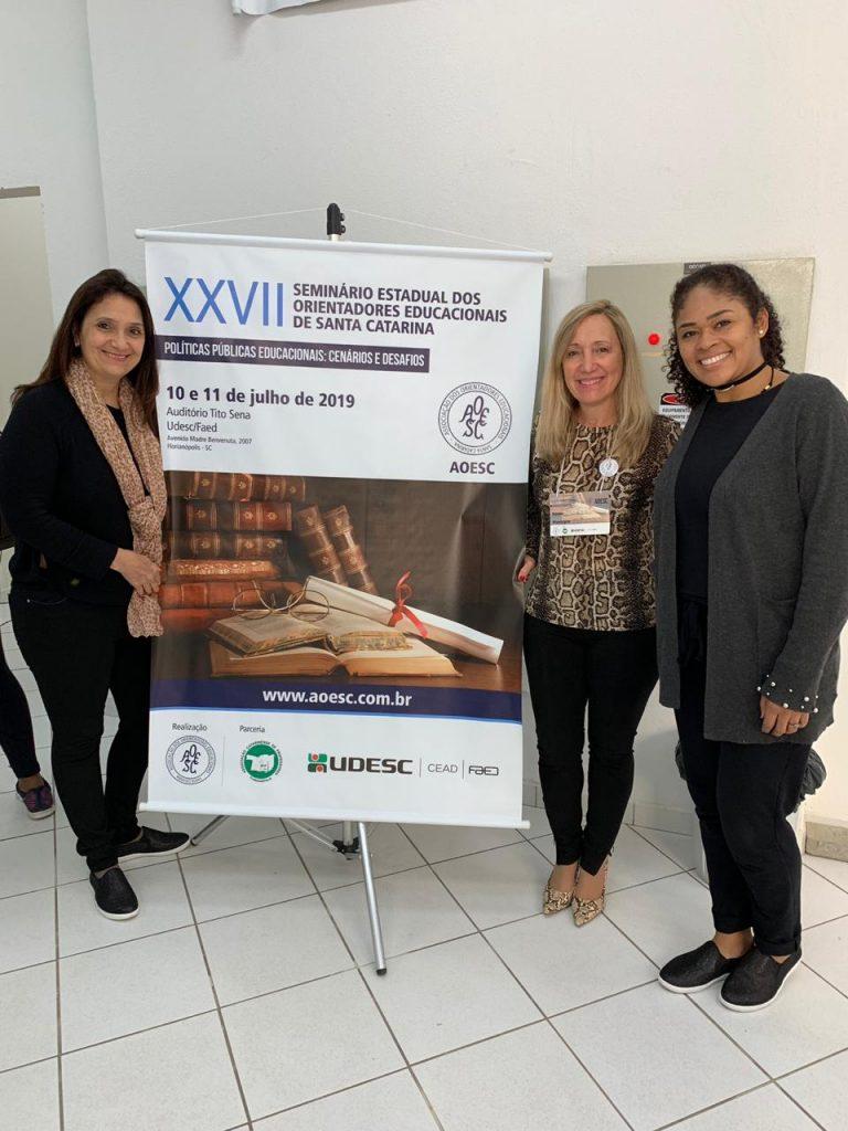 Presidente da AOESC, Sra. Diléia Pereira Bez Fontana com as Representantes da AOERGS - Manoelita Tabille Manjabosco e Ana Alice Resende