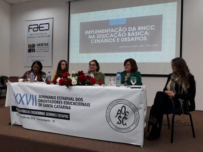 """Mesa Redonda: """"Implementação da BNCC na Educação Básica: Cenários e Desafios""""."""